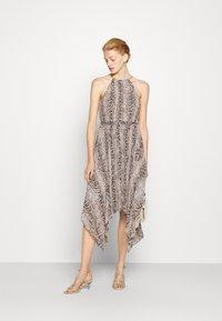 MICHAEL Michael Kors - SUPER SNAKE CHAIN - Cocktail dress / Party dress - dune - 1