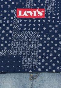 Levi's® - LVB SS DENIM SHORT SET - Triko spotiskem - estate blue - 3