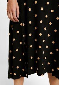 Dorothy Perkins - CAMEL SPOT MIDI - Jersey dress - black - 5