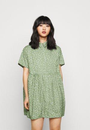 SMOCK DRESS FLORAL - Shirt dress - sage