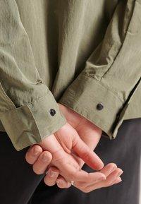 Superdry - RIPSTOP - Light jacket - moss khaki - 1