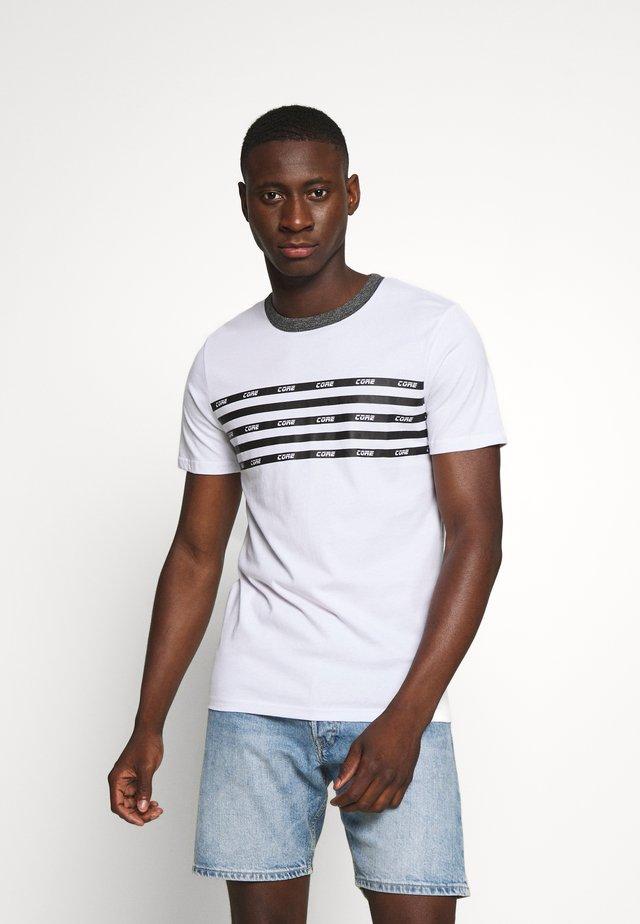 JCOKALLY TEE CREW NECK - Print T-shirt - white