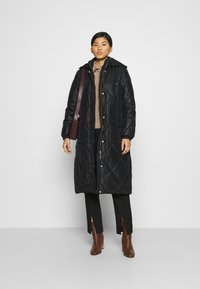 Liu Jo Jeans - IMBOTTITO OVATT LUNGO - Winter coat - nero - 1