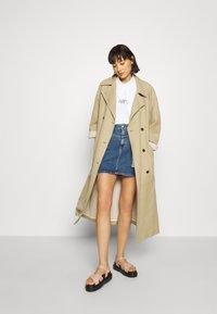 Calvin Klein Jeans - HIGH RISE MINI SKIRT - Jupe trapèze - light blue yoke - 1