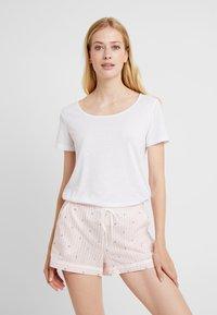 Palmers - LITTLE STRIPE SHORTS - Pyjama bottoms - rose/weiss - 4