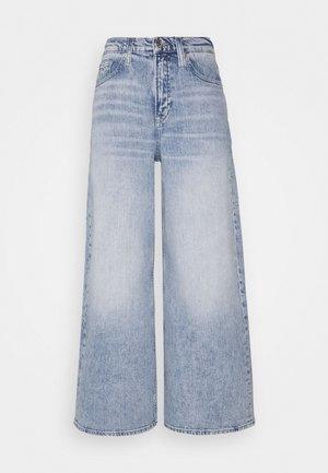 ULTRA WIDE LEG - Jeans baggy - light blue denim