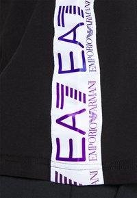 EA7 Emporio Armani - Print T-shirt - black/multicolor - 4