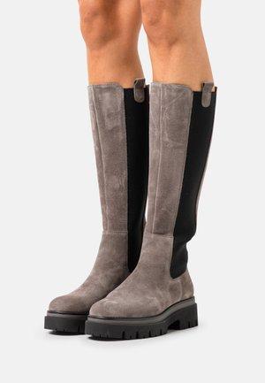 Botas con plataforma - grey