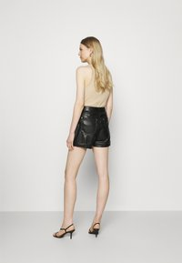 Guess - SIDNEY - Shorts - jet black