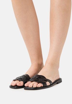 SIERRA FLAT - Pantofle - black