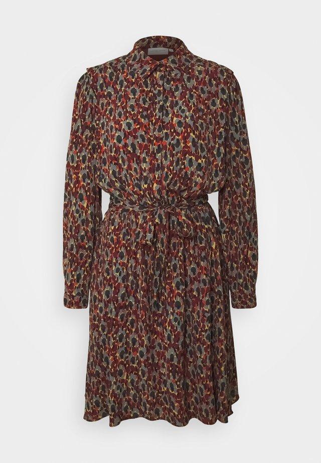 COUNTRY DRESS - Shirt dress - rust/bordeaux
