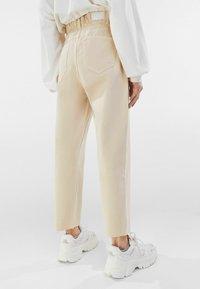 Bershka - Straight leg jeans - beige - 2