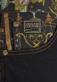 Versace Jeans Couture - COAL LAVEA  - Shorts - black - 7