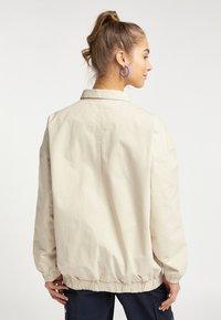 myMo - UTILITY - Light jacket - creme - 2
