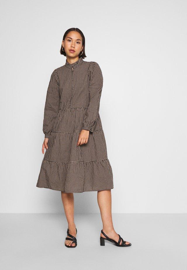 ONLSUSAN CHECK DRESS - Day dress - black/beige