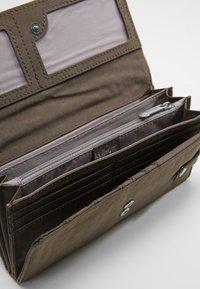 Kipling - BROWNIE - Wallet - grau - 4