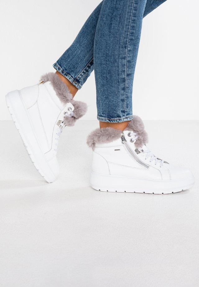 KAULA ABX - Boots à talons - white/dark grey