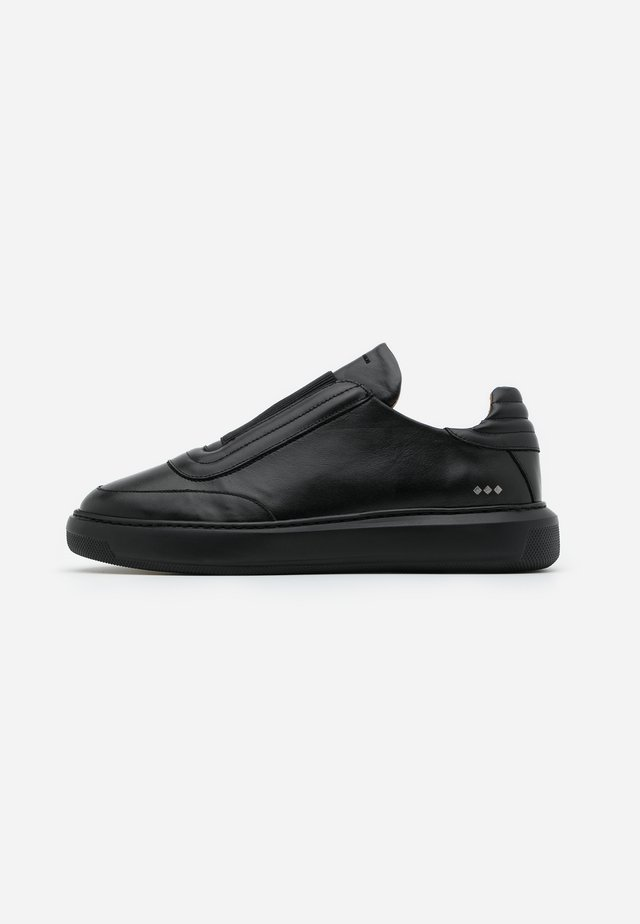 COSMOS OXFORD NO LACE - Mocassins - black