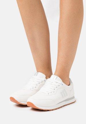 JOGGO - Sneakersy niskie - blanco
