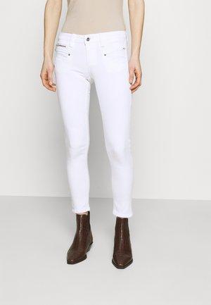 ALEXA CROPPED - Skinny džíny - white