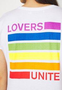 Dedicated - VISBY LOVERS UNITE - Print T-shirt - white - 5