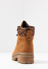s.Oliver - Šněrovací kotníkové boty - dark cognac - 5
