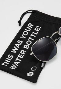 CHPO - IAN - Sluneční brýle - silver-coloured/black - 3
