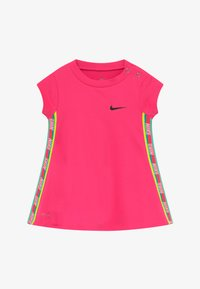 Nike Sportswear - RAINBOW TAPING BABY - Vestito di maglina - hyper pink - 3