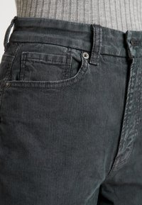 American Eagle - CURVY - Trousers - willow green - 6