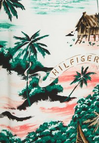 Tommy Hilfiger - ALL OVER HAWAIIAN - Polo shirt - snow white/multi - 2