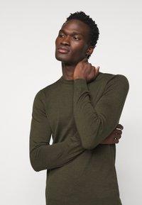J.LINDEBERG - LYLE CREW NECK - Stickad tröja - moss green - 3