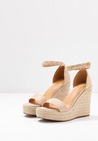 Tata Italia - Korolliset sandaalit - beige - 4