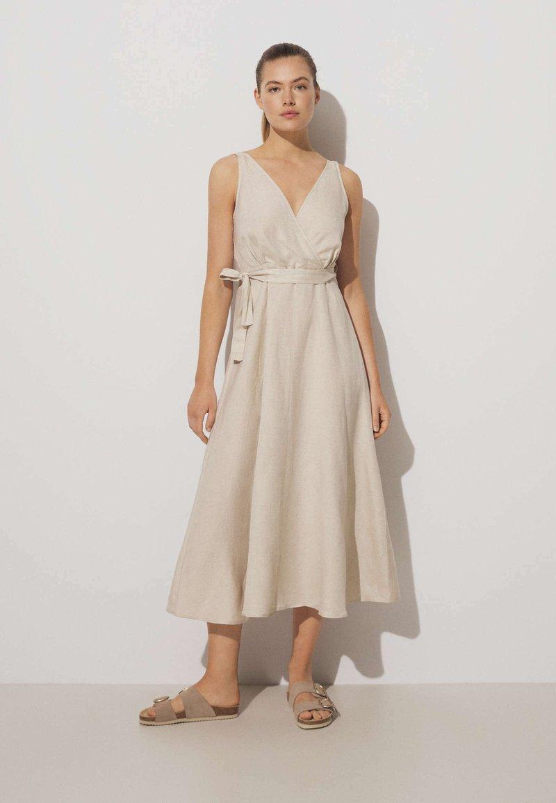 OYSHO - Day dress - beige