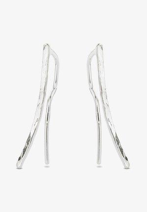HAMMERED CRAWLER EARRINGS - Earrings - silver