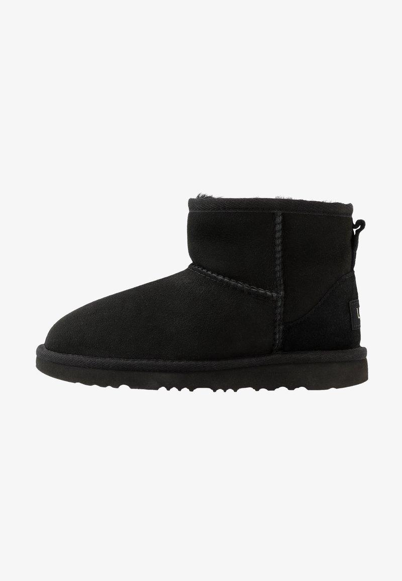 UGG - CLASSIC MINI II - Korte laarzen - black