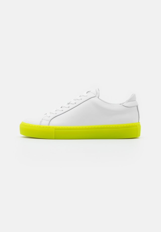 TYPE - Sneakers laag - white/neon yellow