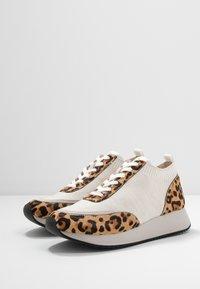 Loeffler Randall - REMI - Sneakers basse - offwhite - 4