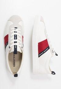 Jack & Jones - JFWSLOANE LOGO - Sneakersy niskie - white - 1
