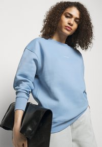 Holzweiler - REGULAR CREW - Sweatshirt - blue - 3