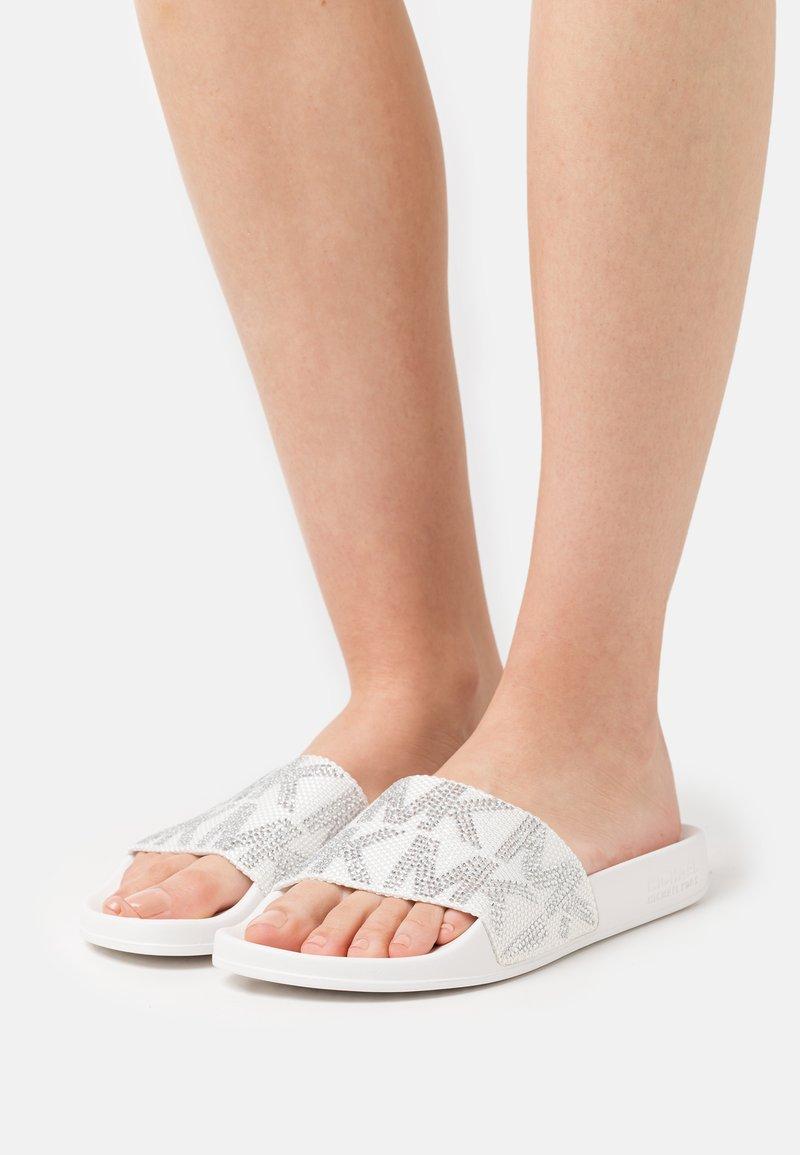 MICHAEL Michael Kors - GILMORE - Pantolette flach - optic white