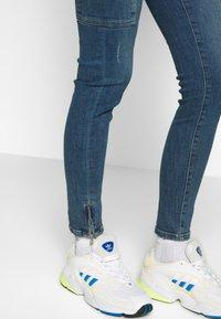 Noisy May Tall - NMKIMMY - Vaqueros pitillo - medium blue denim - 4