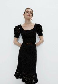 Uterqüe - A-line skirt - black - 0