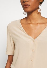 Pieces - PCCECILIE - Button-down blouse - white pepper - 5