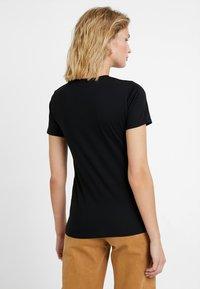 New Look - DAISY TEE - T-shirt imprimé - black - 2