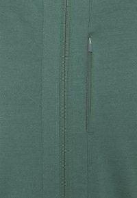 Icebreaker - QUANTUM III ZIP HOOD - Zip-up sweatshirt - sage - 2