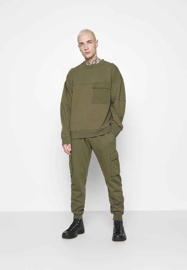 CREW - Sweatshirt - khaki