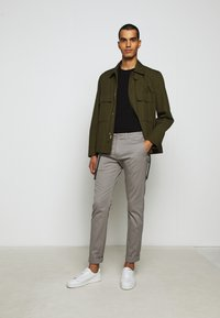 J.CREW - MENS PANTS - Chinos - vintage dove - 5