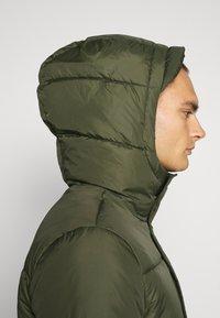 Calvin Klein Jeans - HOODED PUFFER JACKET - Winter jacket - deep depths - 3