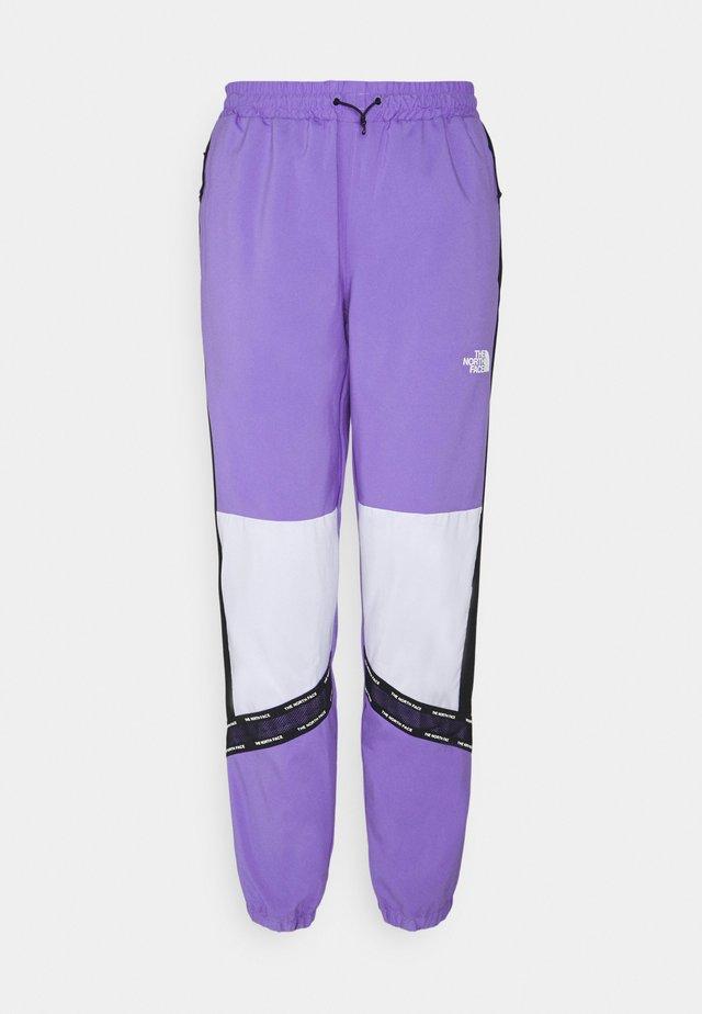 PANT - Träningsbyxor - pop purple
