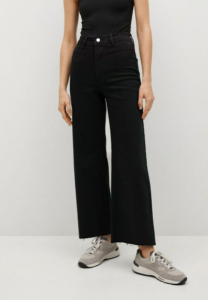 Mango - CATHERIN - Flared Jeans - black denim